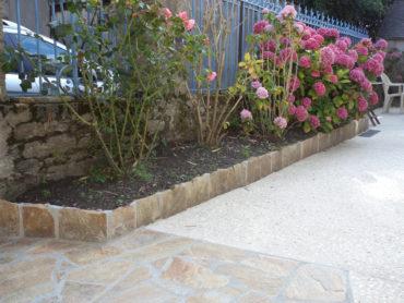 Accès à l'habitation, réalisation d'une jardinière surélevée - Chevallier Paysage