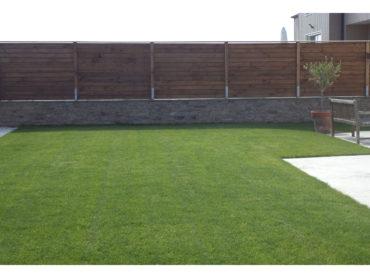 Réalisation d'une clôture mitoyenne - Chevallier Paysage