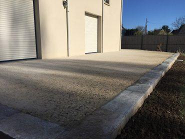 Terrasse en béton décoratif - Chevallier Paysage